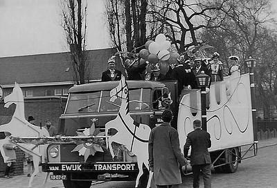 3.-Optocht-seizoen-1962-1963-het-10-jarig-bestaan