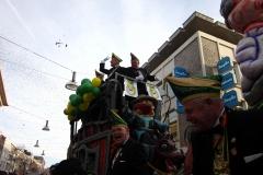 13.-Optocht-seizoen-2012-2013-het-60-jarig-jubileum-in-vol-ornaat-op-een-prachtige-wagen
