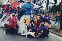 9.-Optocht-seizoen-1995-1996-de-Heksen