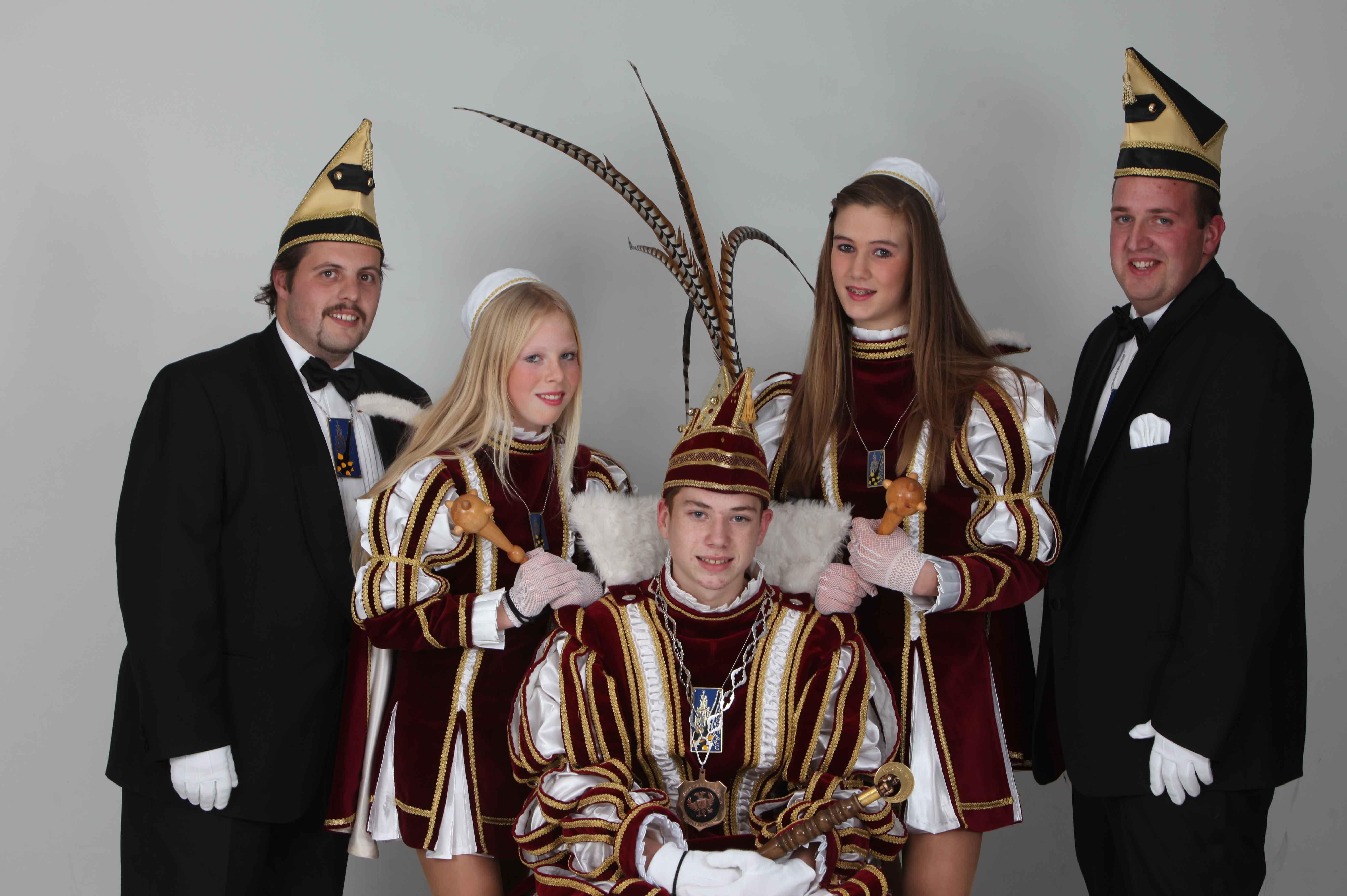 15.-Yvon-de-Groot-en-Lonneke-Willems-in-jeugdkabinet-Ward-1-Nieboer-2011