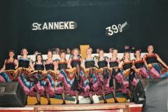 5.-Showgroep-in-actie-tijdens-Pronkzitting-1991-1992